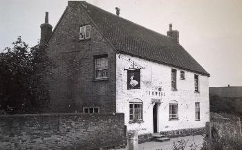 The White Hart in the 1960s [WB/Flow4/5/Cam/WH1]